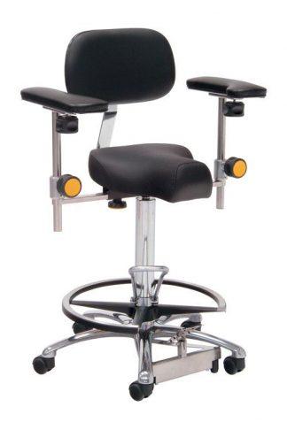 Trekantformet kirurgisk stol med fodstøtte og armlæn - Fodbetjent