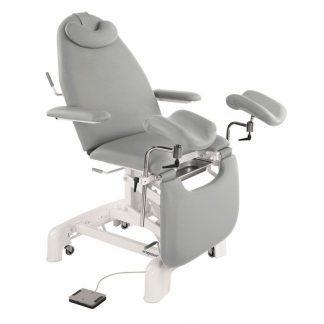 Elektrisk gynækologisk eksamineringsstol med armlæn, pude og hjul