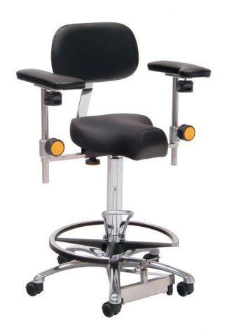 Triform kirurgisk stol med fodstøtte og armlæn - Fodmanøvreret